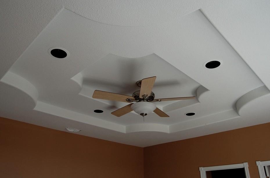 Вариант отделки потолка в цокольном этаже - otdelat.ru