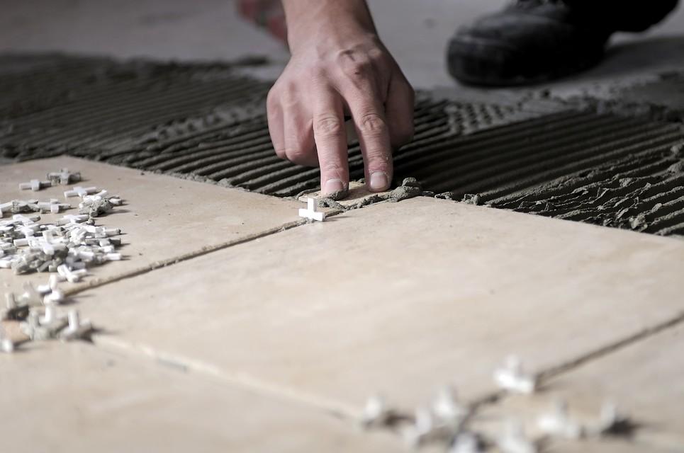 Класть плитку правильно может каждый - следуйте инструкциям - otdelat.ru
