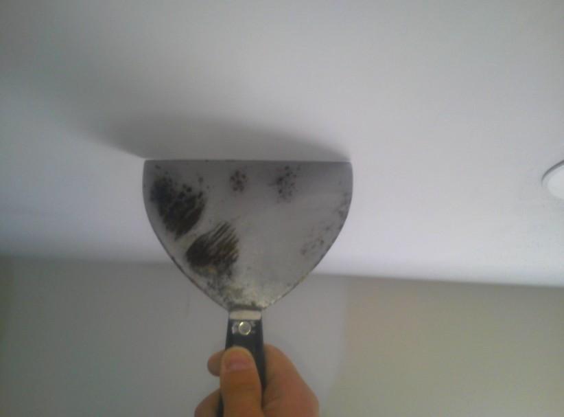 Шпатель - незаменимый помощник при шпаклёвке потолочной поверхности - otdelat.ru