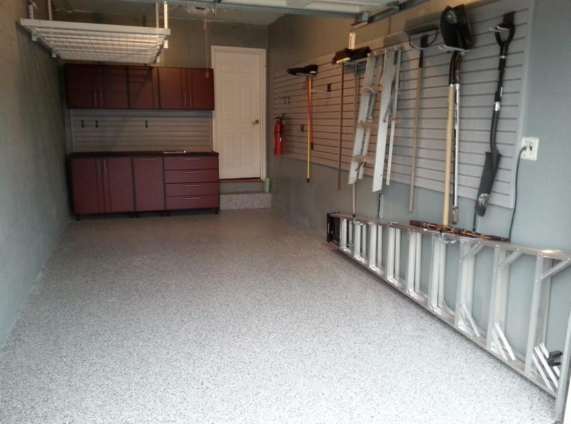 У вас может получиться что-то подобное - комфортный гараж - otdelat.ru