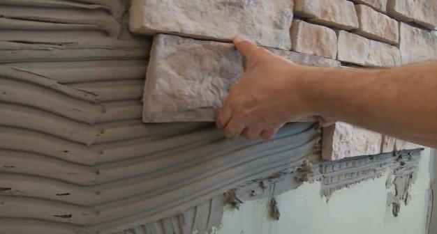 Для облицовки своей бани из бревна вы можете выбрать камень - искусственный или натуральный - otdelat.ru