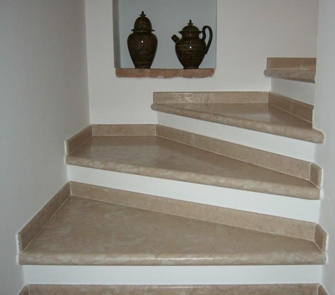 Мраморные лестницы великолепно вписываются в любые интерьеры - otdelat.ru