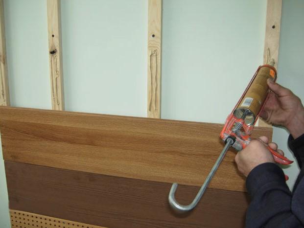 Крепление панели на каркас из деревянных реек - otdelat.ru