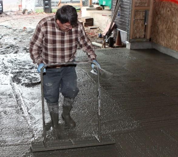 Лучший пол в гараже - качественная бетонная стяжка - otdelat.ru