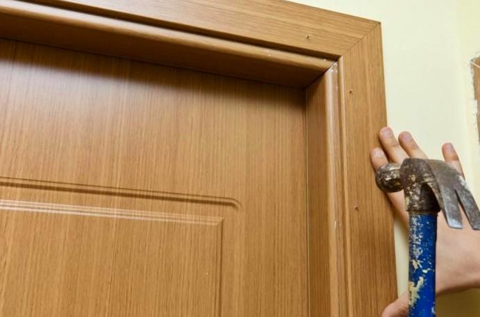 Внимательность и аккуратность - и отделка двери получится достойной - otdelat.ru