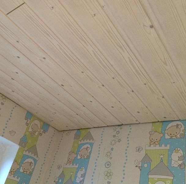 Материал подходит для облицовки потолка в любом помещении - даже в детской комнате - otdelat.ru