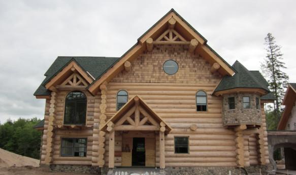 отделка фронтона деревянного дома фото