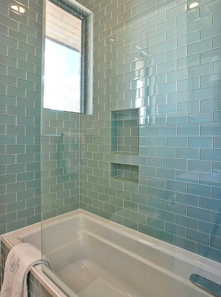 Когда думают, чем отделать стены в ванной, обязательно учитывают собственные пожелания - otdelat.ru