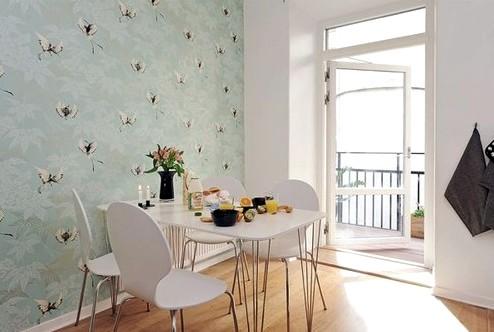 В кухонном пространстве обои выглядят замечательно - otdelat.ru