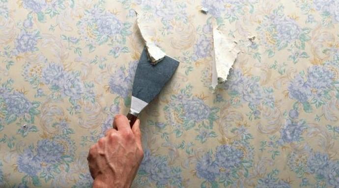 От старого покрытия придётся избавиться - чтобы новые плотна легли качественно - otdelat.ru
