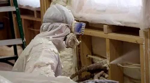 Нанесение жидкого утеплителя внутри квартиры - otdelat.ru