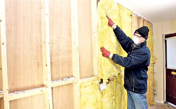 Чем утеплить изнутри стены дома