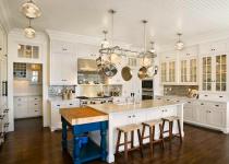 Отделка потолков на кухне: советы и варианты