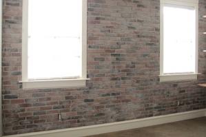 Отделка кирпичной стены - обзор популярных вариантов