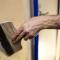 Выравнивание стен шпаклёвкой - удобный и лёгкий способ получить гладкую поверхность с минимальными вложениями и усилиями