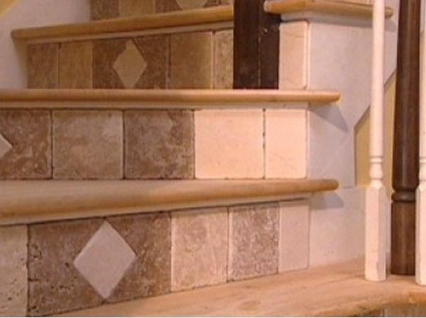 Во многом успех отделки зависит от того, насколько подходящую плитку для лестницы вы подобрали - otdelat.ru