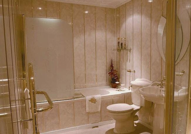 Для отделки ванных комнат часто выбирают ПВХ панели - otdelat.ru