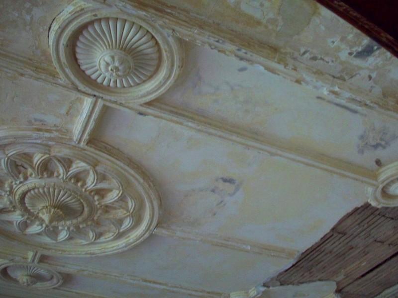 Поверхность потолка явно нуждается в обновлении - otdelat.ru