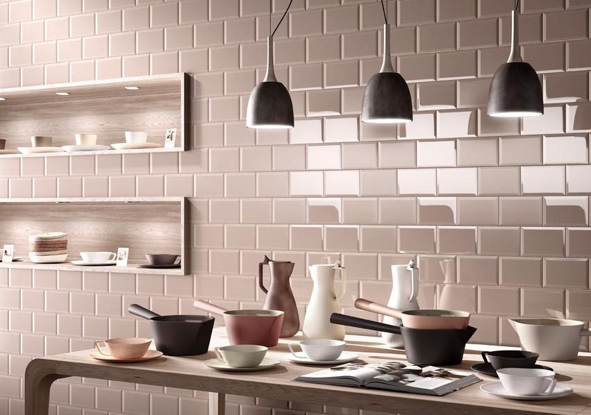 Фаянсовая плитка, выполненная из керамики, появилась в продаже очень давно - otdelat.ru