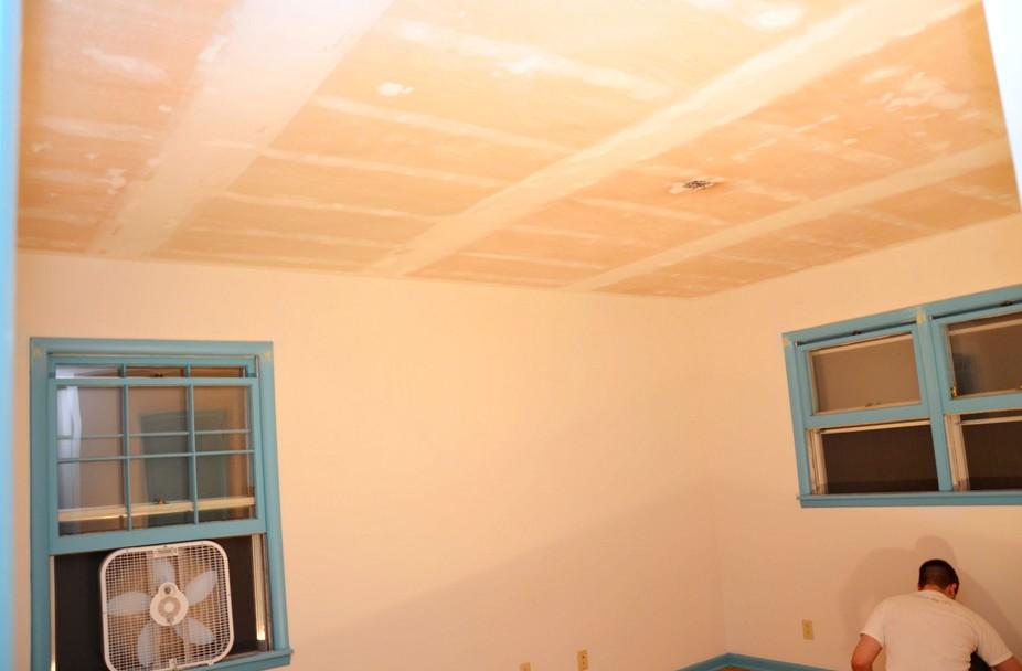 Этап подготовки завершён: можно шпаклевать потолок под покраску - otdelat.ru