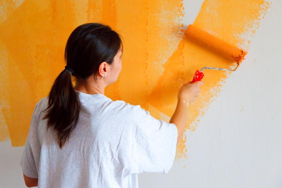 Даже начинающий мастер справится с окрашиванием стен - otdelat.ru