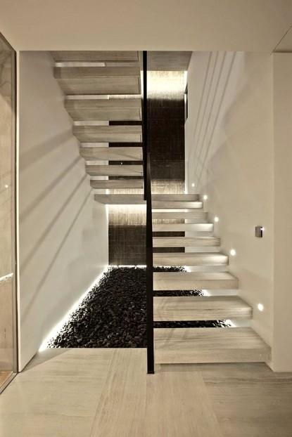 Мраморные лестницы - роскошь, шик, практичность - otdelat.ru