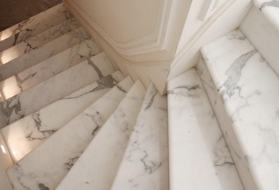 Отделать лестницу мрамором - не самое дешёвое удовольствие - otdelat.ru