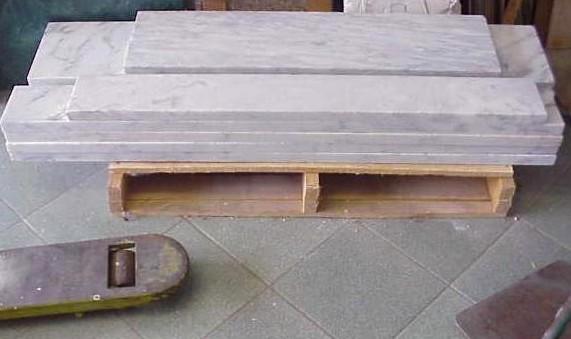 Так выглядят мраморные плитки, которые используют в отделке лестниц - otdelat.ru
