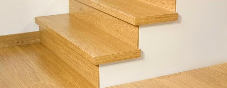 Ламинат нередко выбирают для облицовки лестничных конструкций - otdelat.ru