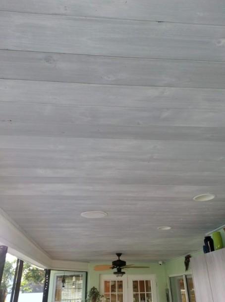Грунтовку потолка делают только тогда, когда старое покрытие снято - otdelat.ru