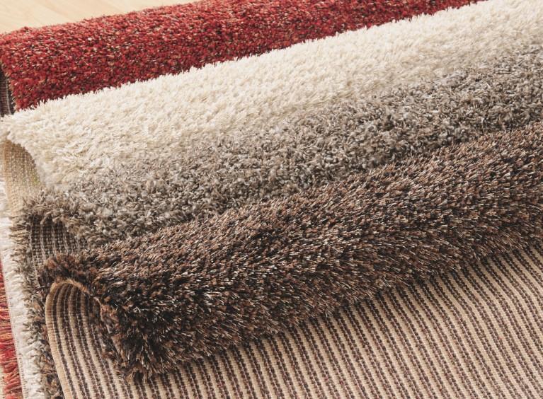 Хороший ковёр также поможет при излишнем шуме от соседей - otdelat.ru