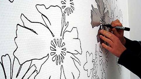 Прежде чем рисовать обои на стене, к процессу надо подготовиться - otdelat.ru