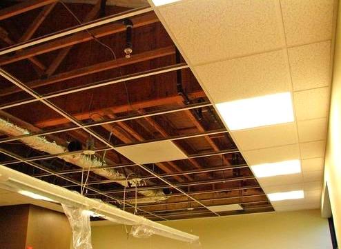 Не всегда ясно, как и чем отделать потолок в доме - otdelat.ru