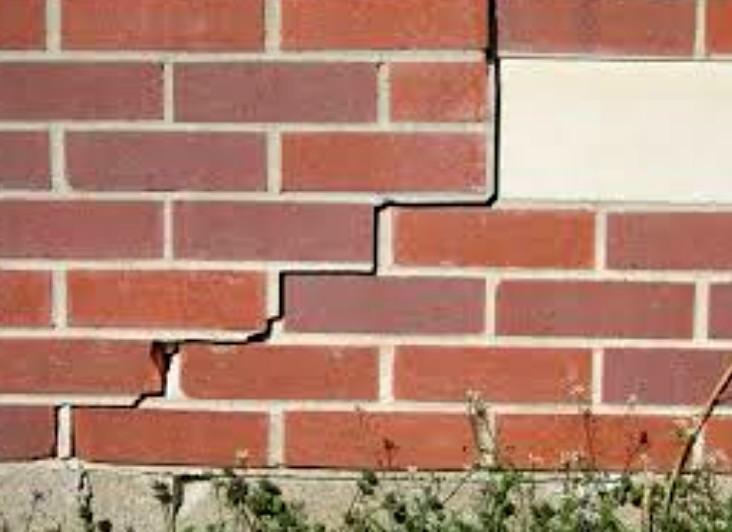 Заделка трещин в кирпичных стенах - достаточно распространённая процедура для домовладельцев - otdelat.ru