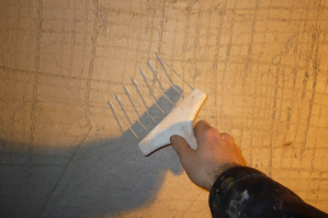 Декоративная штукатурка из обычной шпаклёвки: видео, нанесение